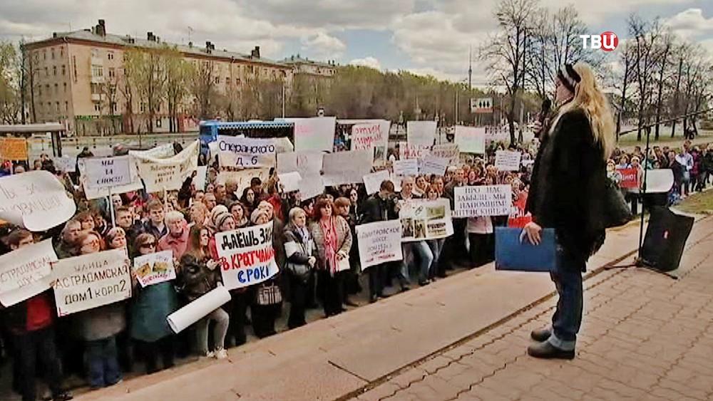 Депутаты и представители Общественной палаты Москвы встретились с жителями