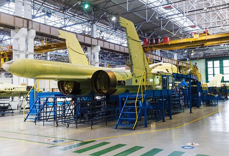 Сборка многофункциональных истребителей Су-34