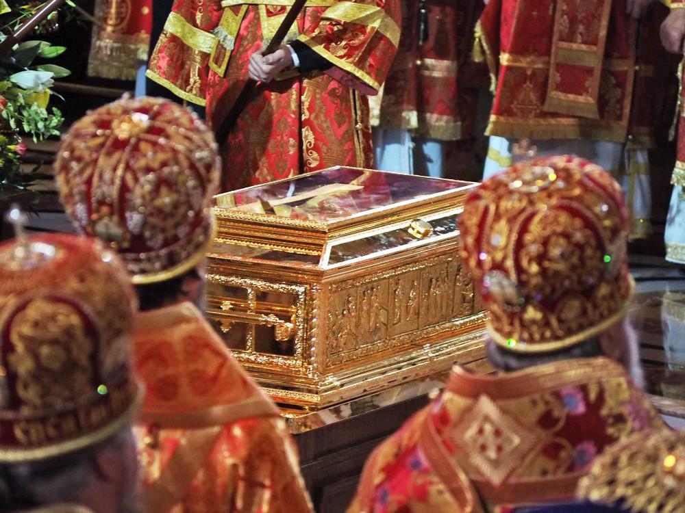 Ковчег с мощами святителя Николая Чудотворца