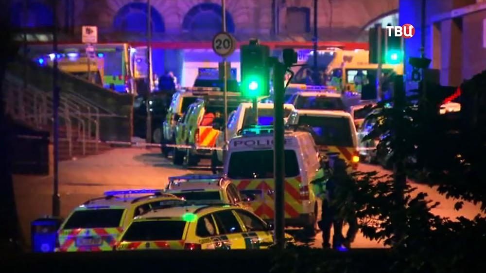 Экстренные службы Великобритании на месте происшествия