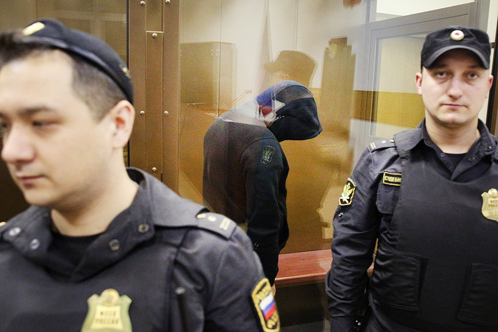 Сбивший двух девочек водитель Gelandewagen Александр Шарый в суде