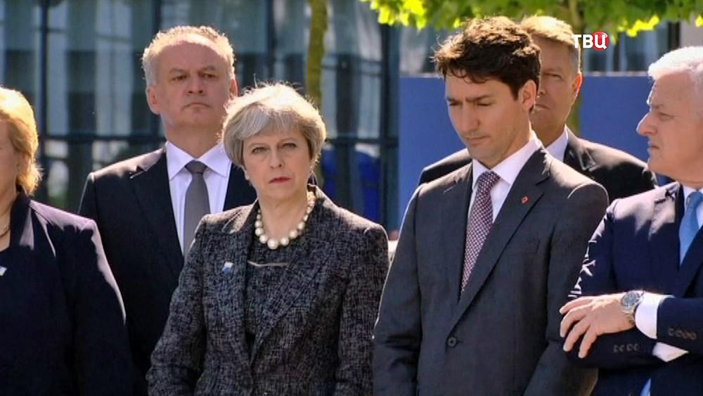 Премьер-министр Великобритании Тереза Мэй на саммите НАТО