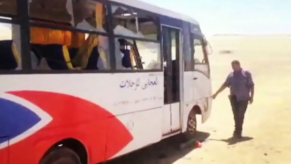 Последствия атаки террористов на автобус с паломниками христианами-коптами