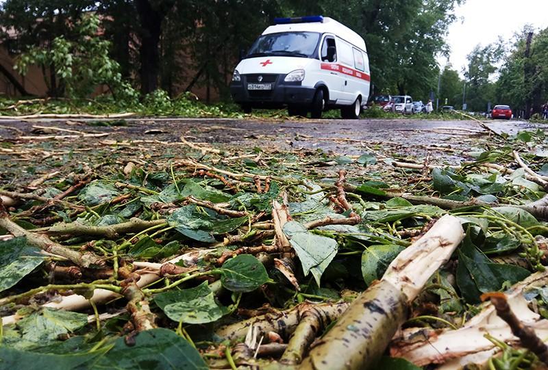 Автомобиль скорой помощи на одной из улиц Москвы
