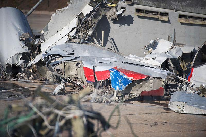 Обломки упавшего самолета Минобороны России Ту-154