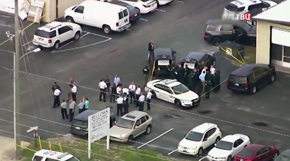 Полиция США на месте стрельбы в Орландо