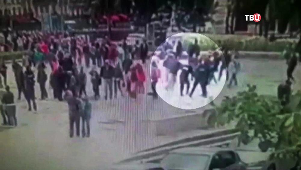 Нападение на полицейских у собора Парижской Богоматери