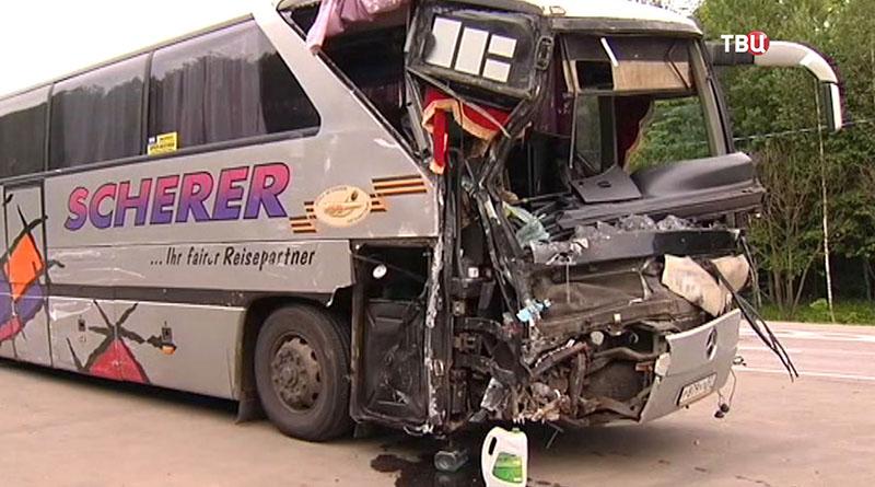 Последствия ДТП под Тулой с участием автобуса