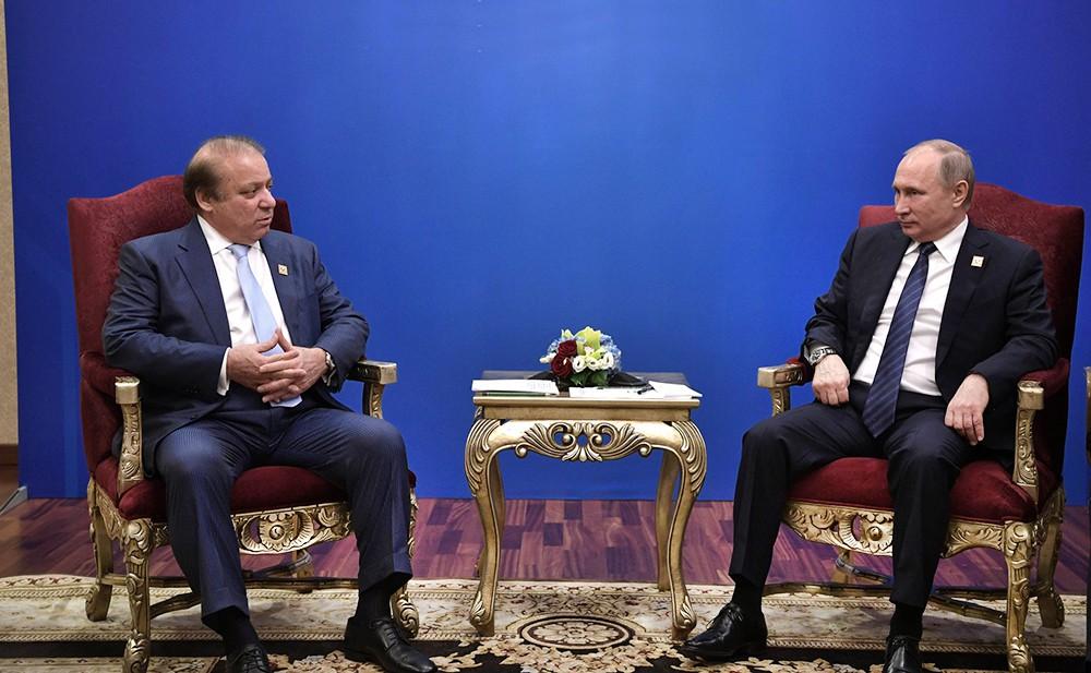 Президент России Владимир Путин и премьер-министр Исламской Республики Пакистан Наваз Шариф