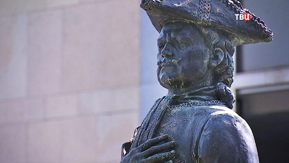 Памятник Петру I в Бельгии