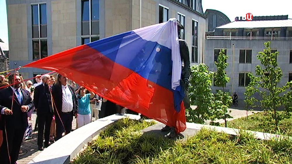 В Бельгии открыли памятник Петру I