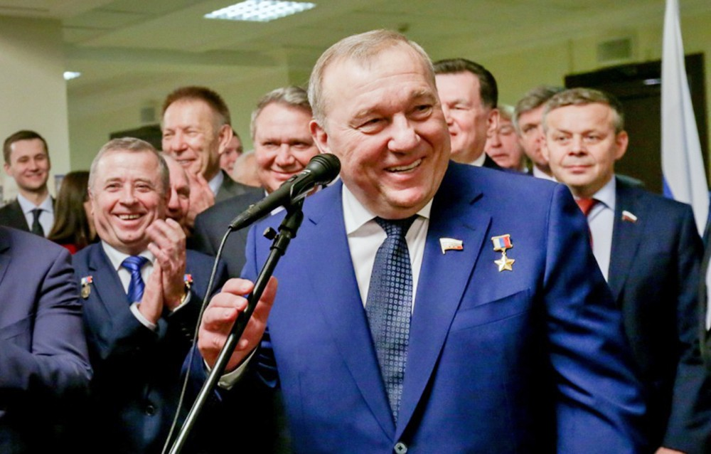 Председатель комитета Госдумы по обороне Владимир Шаманов