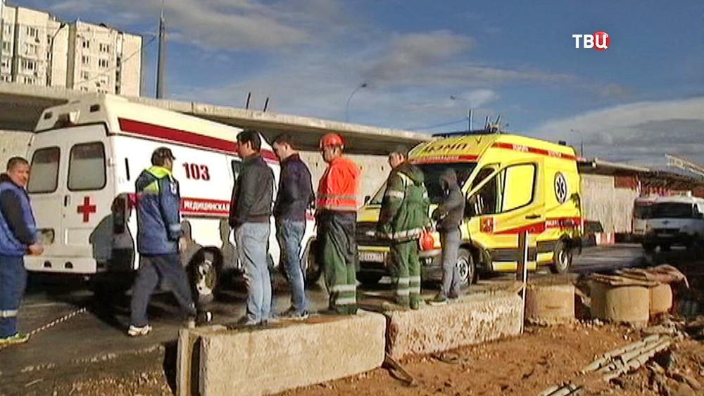 Машины скорой помощи на месте происшествия