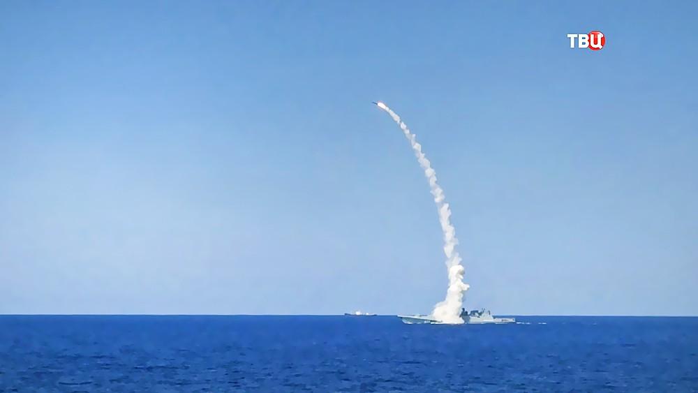 """Пуск ракет """"Калибр"""" с корабля ВМФ России"""