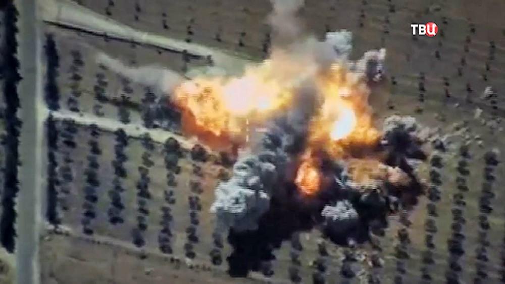 """Удар ракетами """"Калибр"""" по позициям ИГ в Сирии"""