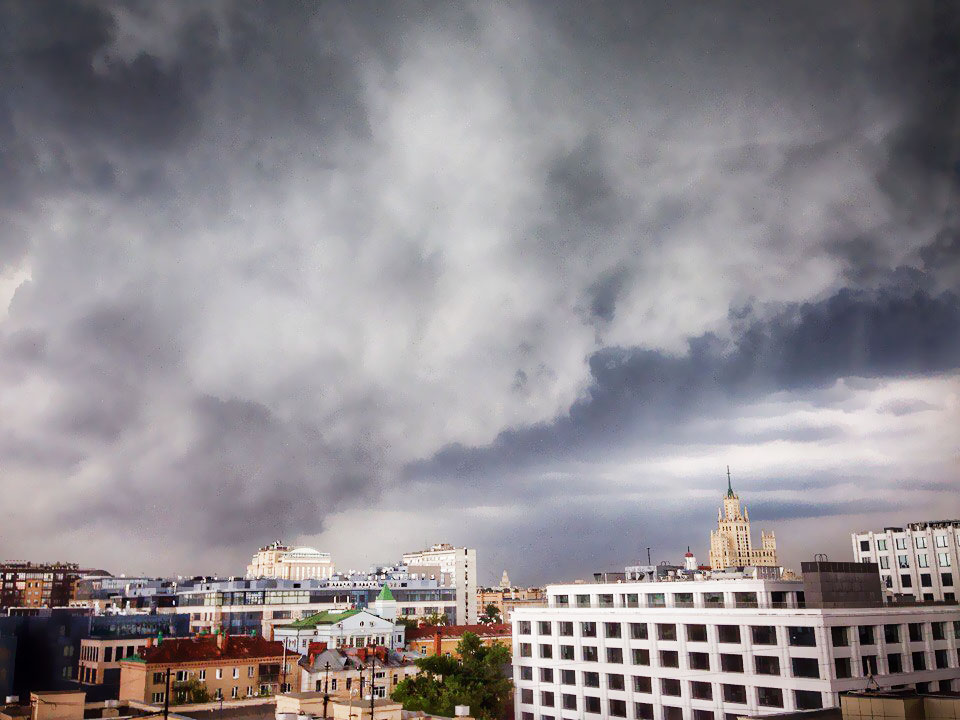 Гроза над Москвой