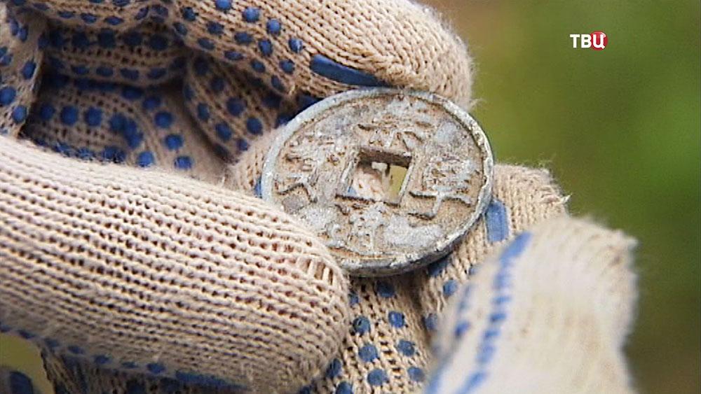 Древняя китайская монета