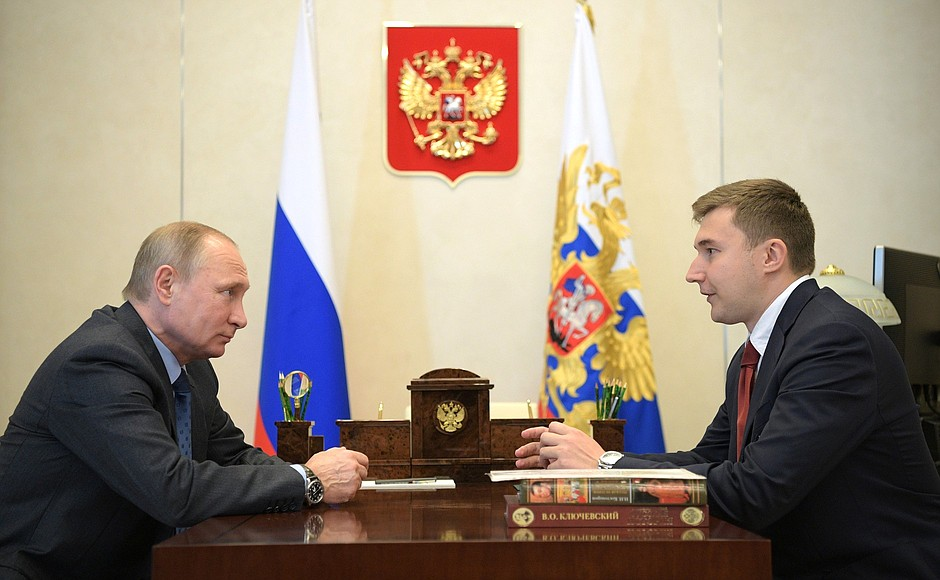 Владимир Путин на встрече с шахматистом Сергеем Карякиным