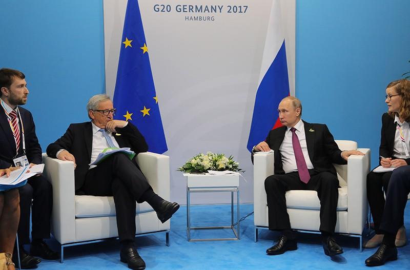 Президент России Владимир Путин и председатель Европейской комиссии Жан-Клод Юнкер