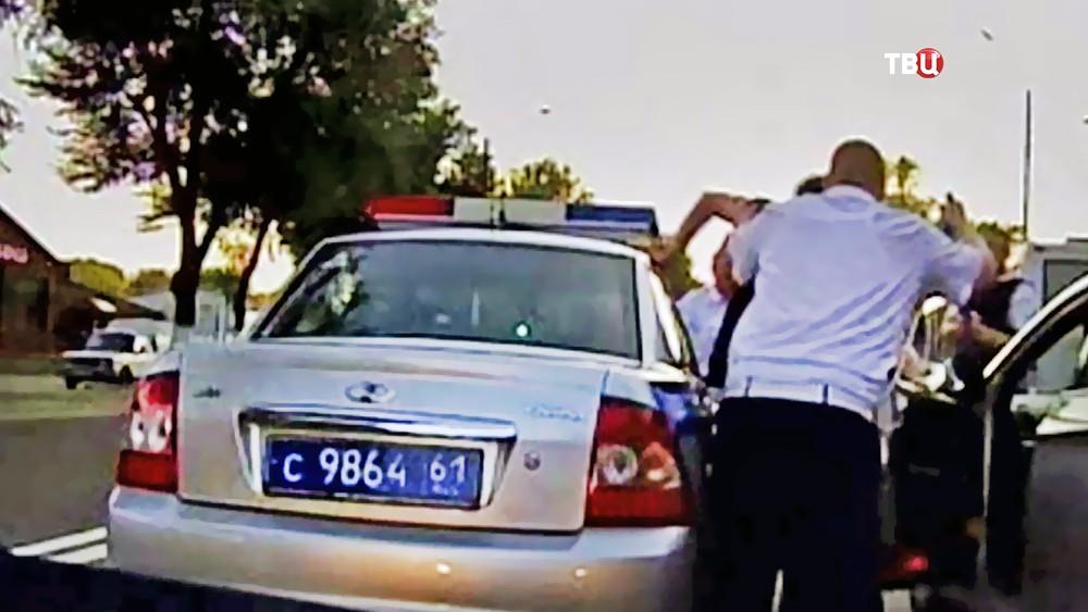 Ростовская полиция задерживает устроевшего стрельбу Сергея Кадацкого