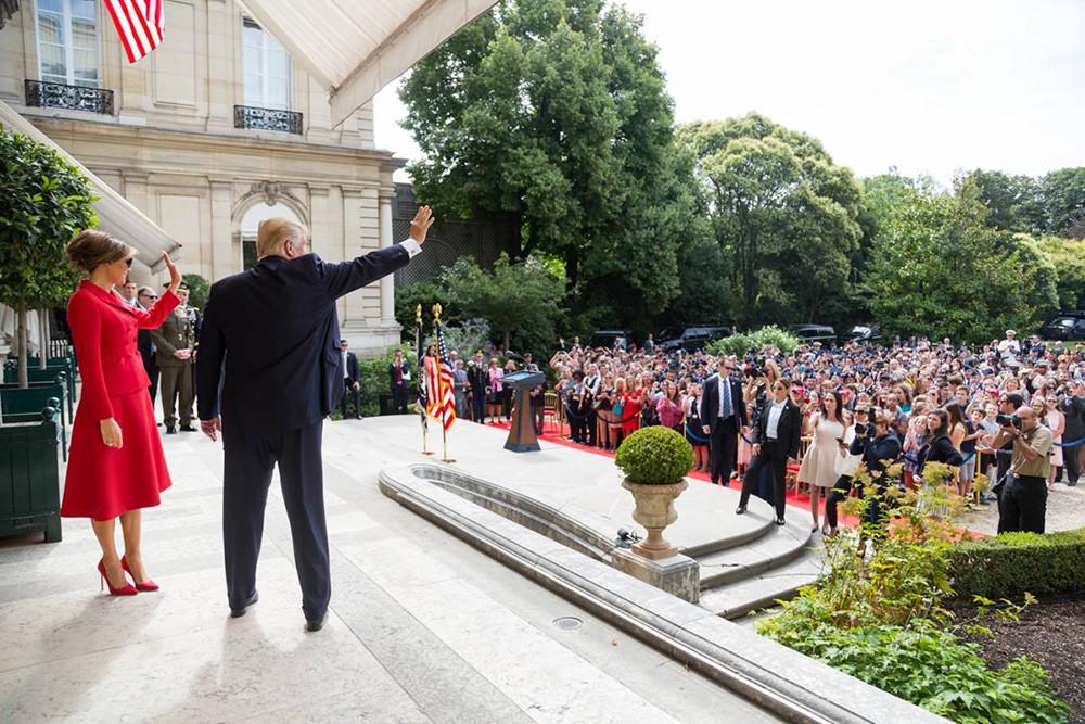 Мелания и Дональд Трамп во Франции