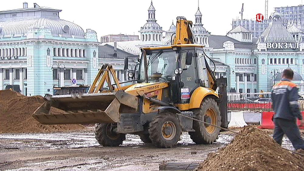 Работы по благоустройству на площади Тверская застава