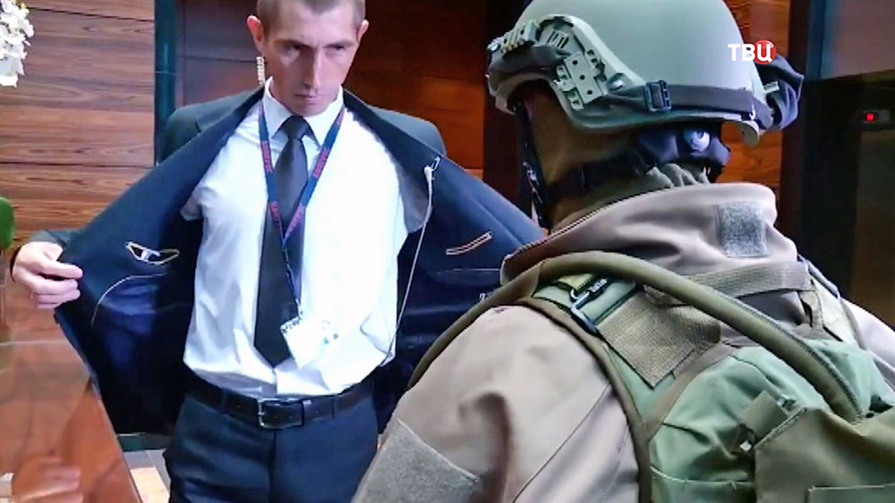 Полиция Украины проводит обыски