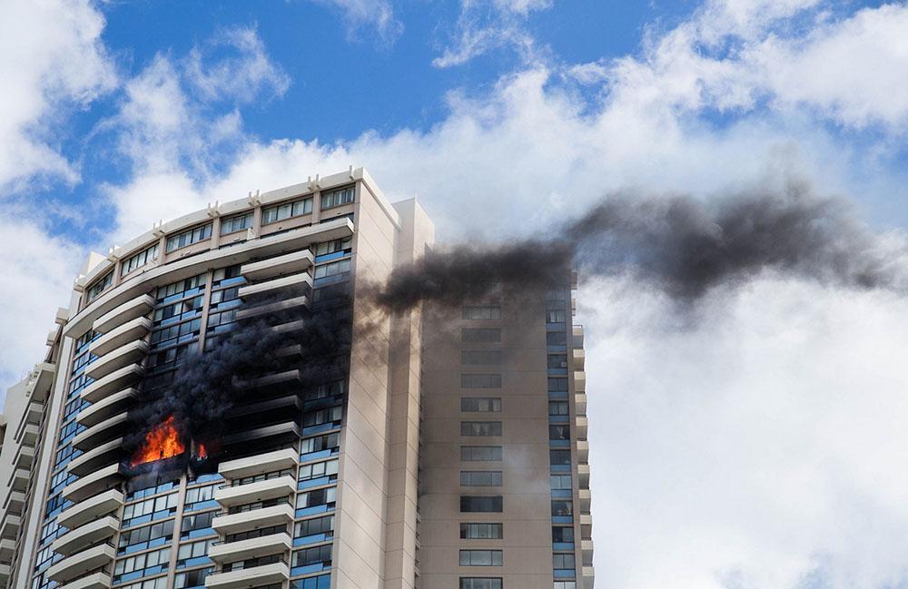 Пожар в многоэтажном доме в Гонолулу