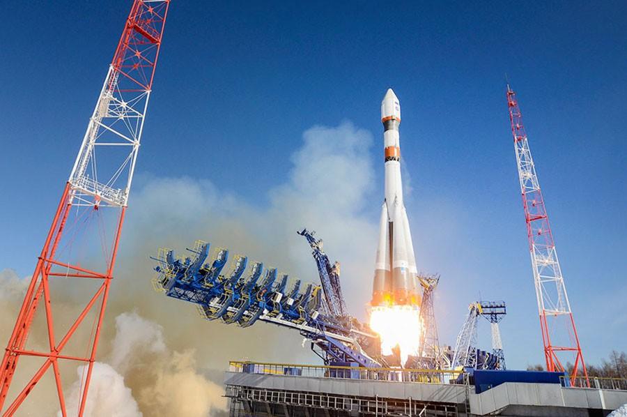 """Запуск ракеты """"Союз-2"""" с космодрома """"Плесецк"""""""