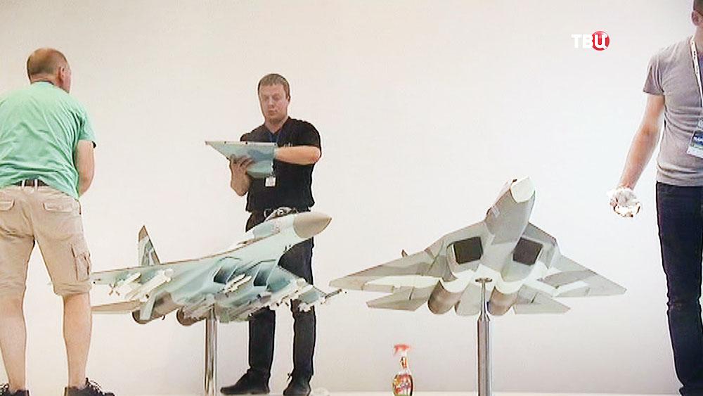 """Подготовка к авиакосмическому салону """"МАКС"""""""