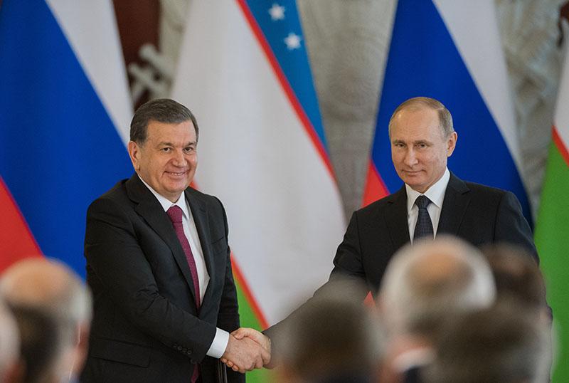 Президент России Владимир Путин и президент Узбекистана Шавкат Мирзиеев