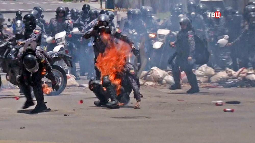 Уличные столкновения с полицией Венесуэлы
