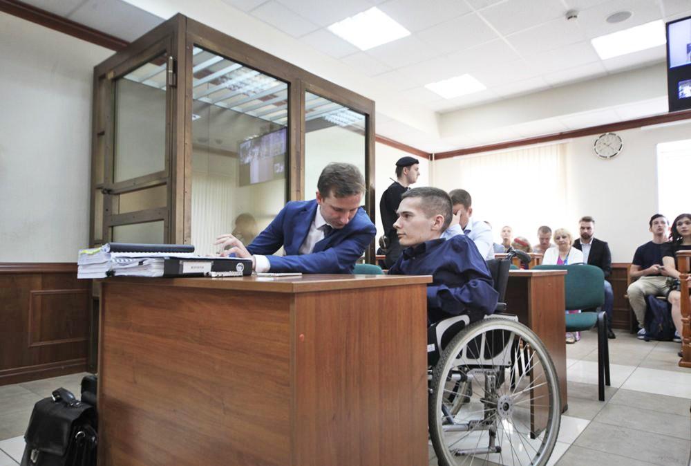 Инвалид первой группы Антон Мамаев в суде