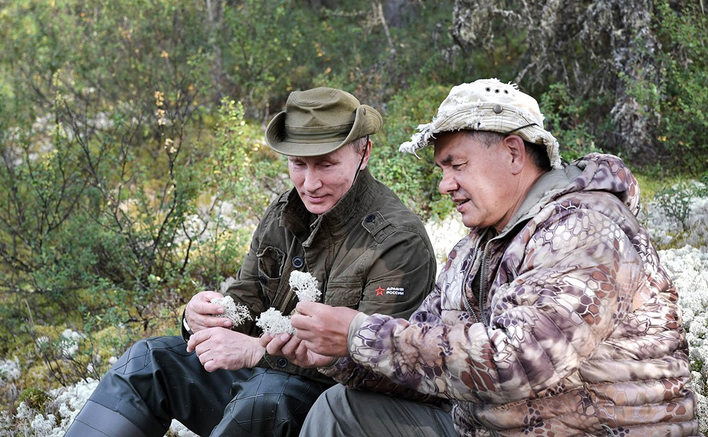 Владимир Путин и Сергей Шойгу отдыхает в Республике Тыва