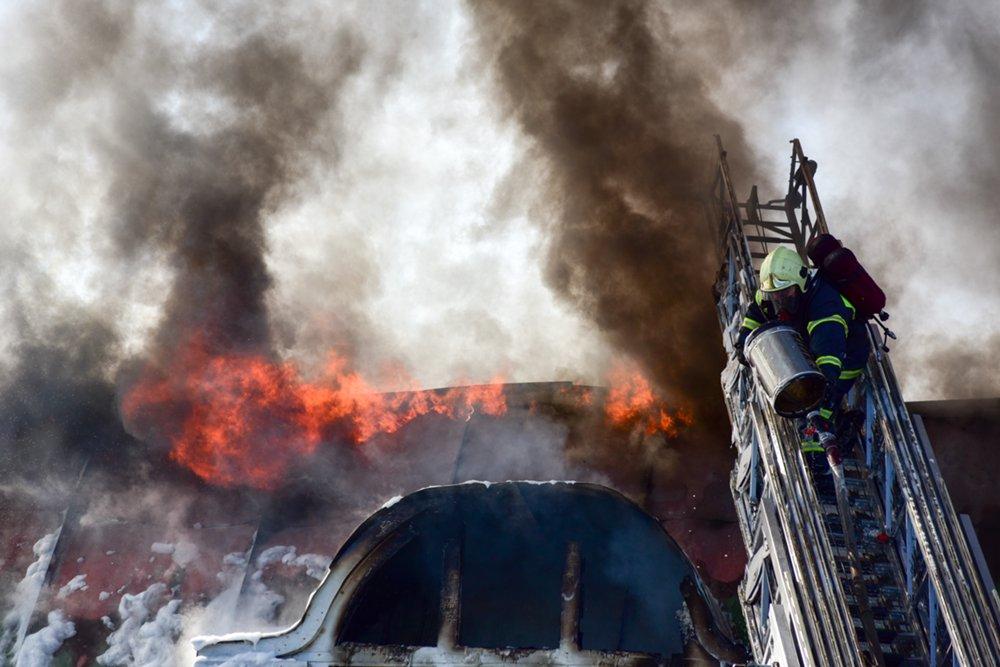 Пожар в ТЦ «Атом» на Таганской площади