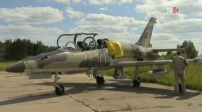 "На аэродроме ""Кубинка"" тренировка авиации перед фестивалем"