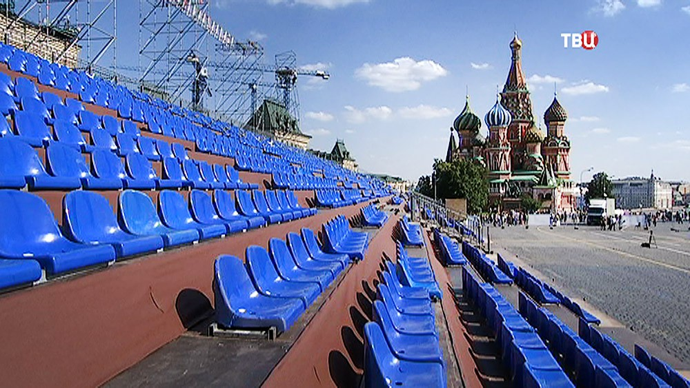 """Подготовка к фестивалю """"Спасская башня"""" на Красной площади"""