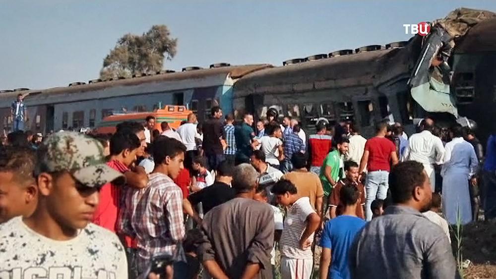 Последствия аварии на железной дороге в Египте