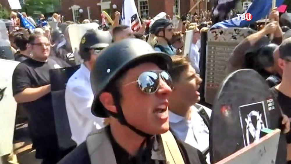 Уличные беспорядки в Вирджинии, США