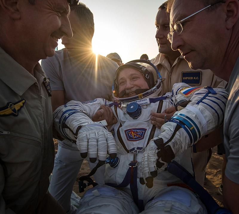Возвращение экипажа МКС на Землю