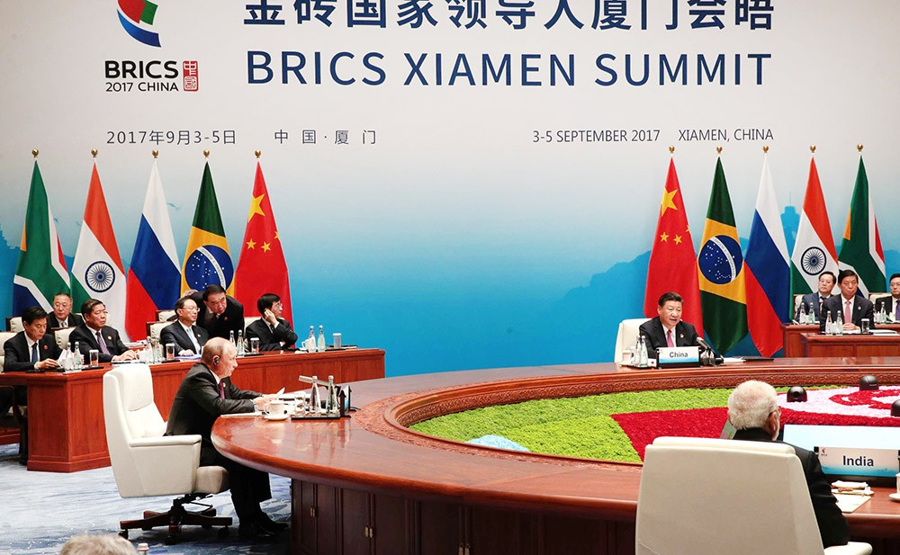 Владимир Путин на саммите БРИКС в Китае