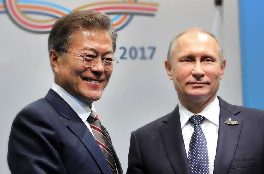 Президент России Владимир Путин и президент Республики Корея Мун Чжэ Ин