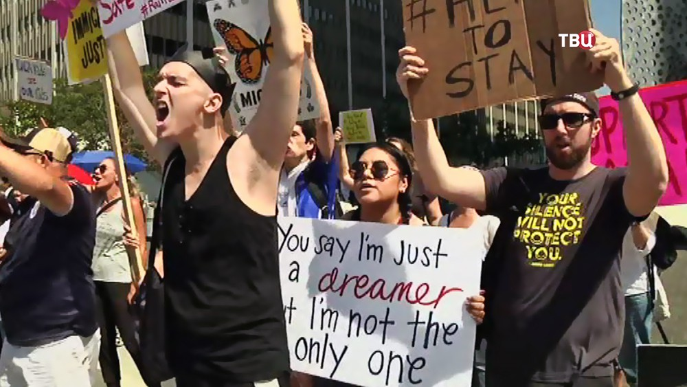 Митинг мигрантов в США