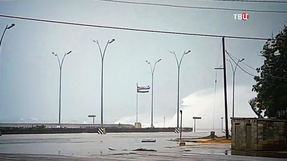 Ураган у берегов Кубы