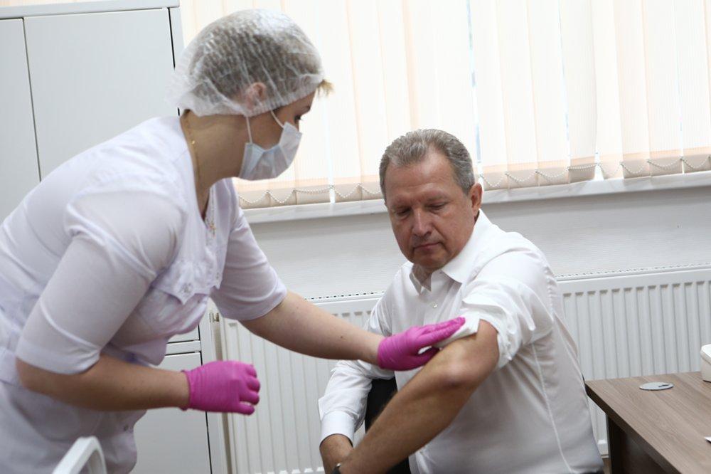 Алексей Хрипун на вакцинации против гриппа