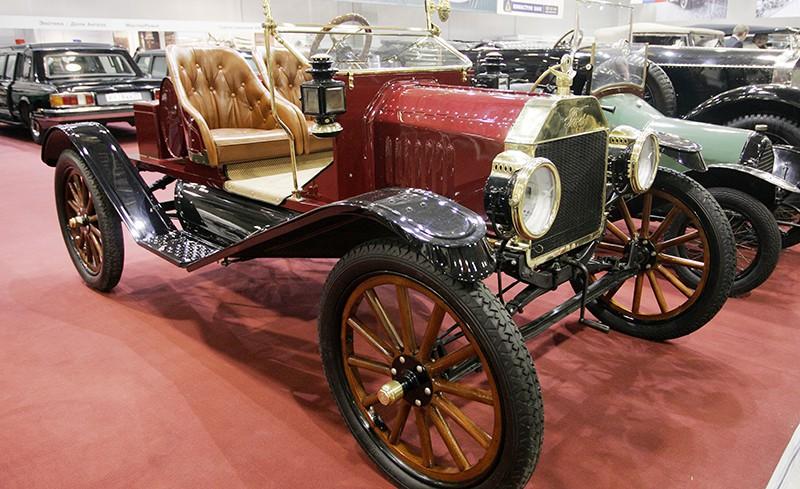 Автомобиль Ford T