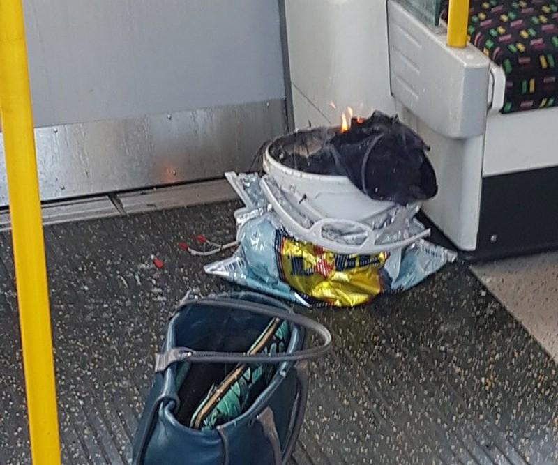 Взрывное устройство в вагоне метро Лондона