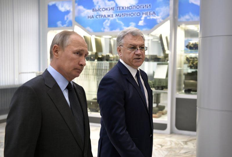 """Владимир Путин на предприятии """"Алмаз-Антей"""""""