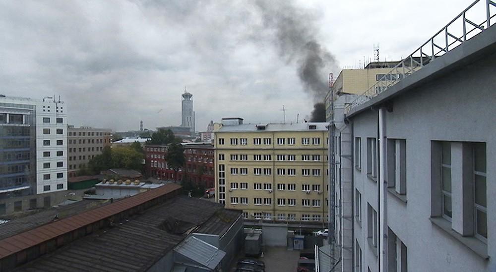 Пожар в здании на Большой Татарской улице в Москве