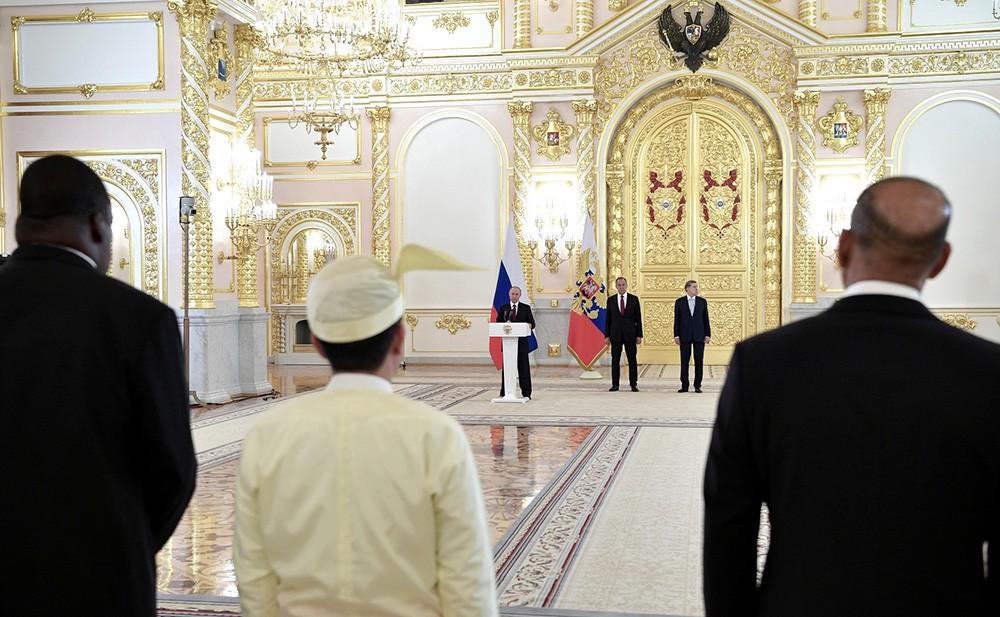 Вручение верительных грамот послами иностранных государств в Кремле